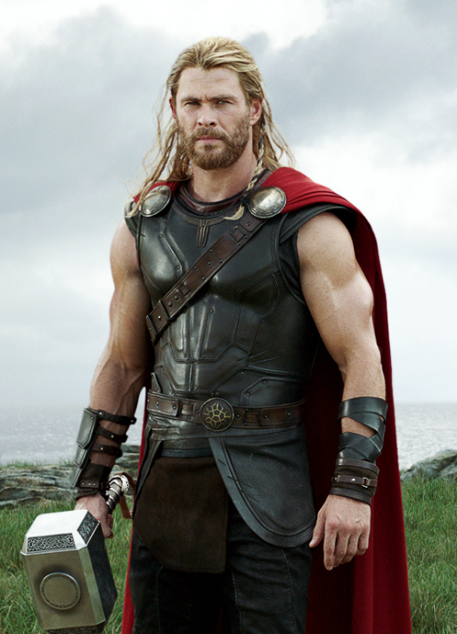 Chris Hemsworth como thor