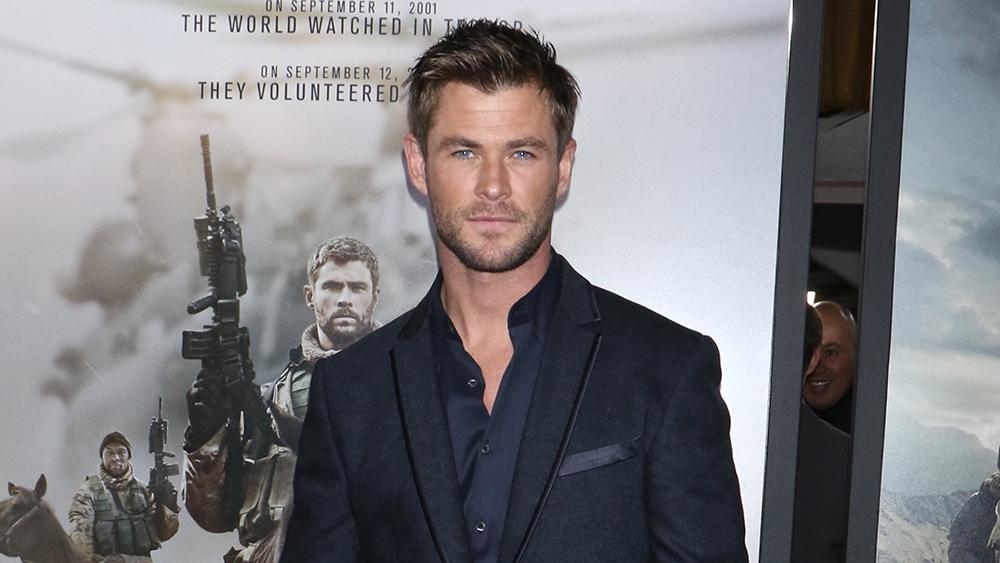 Chris Hemsworth en la premiere de una película