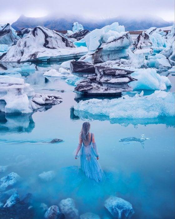chica en el hielo