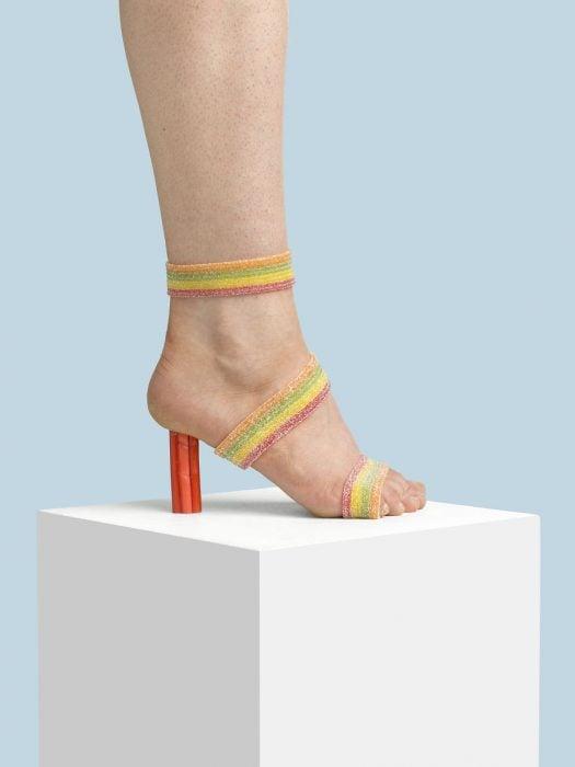 Zapatos creados con dulces