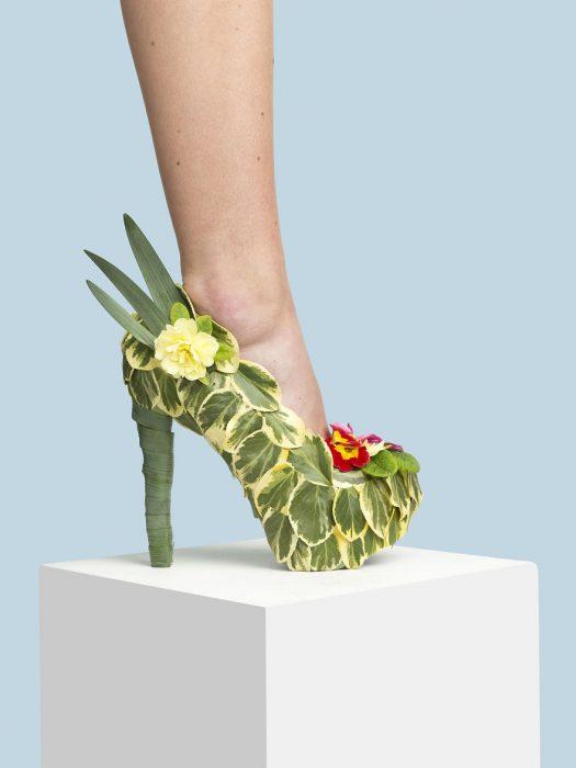 Zapatos creados con plantas