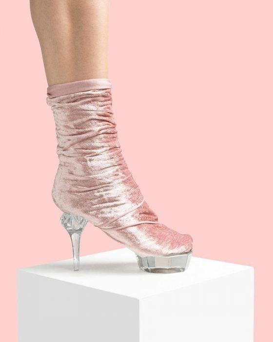 Zapatos creados con terciopelo