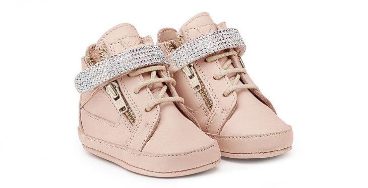 zapatos de bebé con brillos