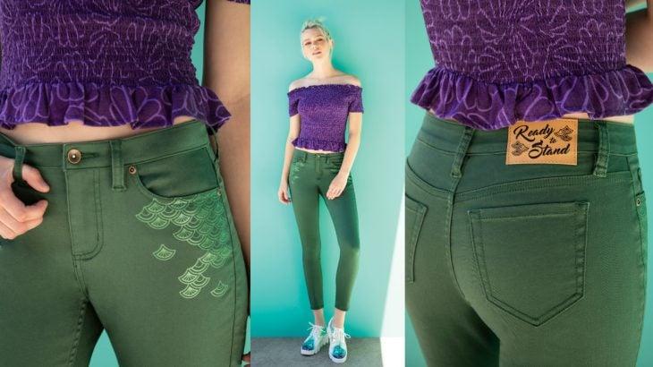 mujer con jeans color verde y blusa morada