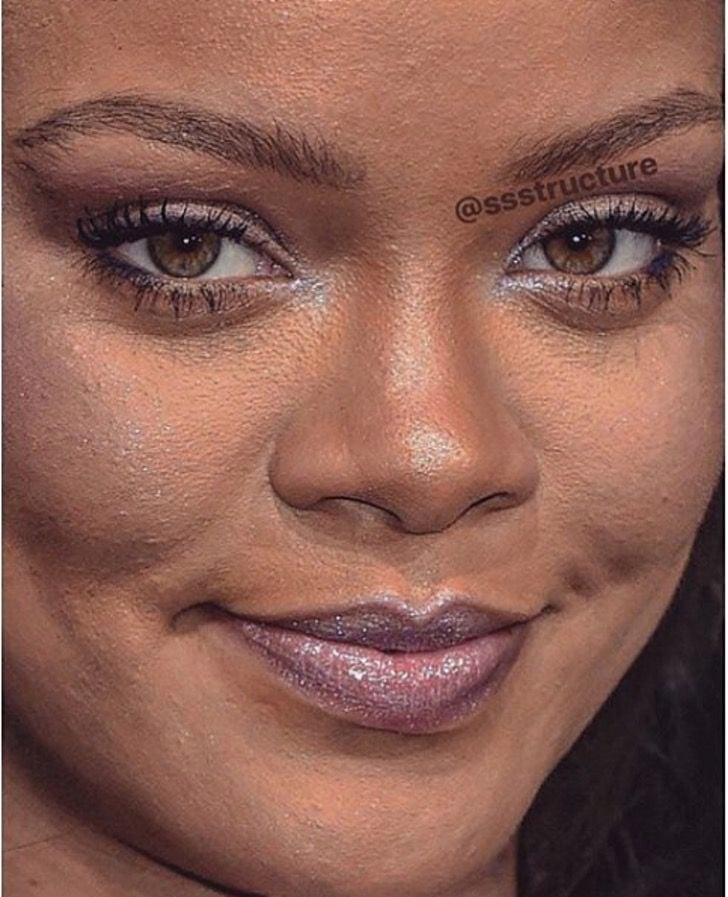 Rihanna de cerca y sin photoshop