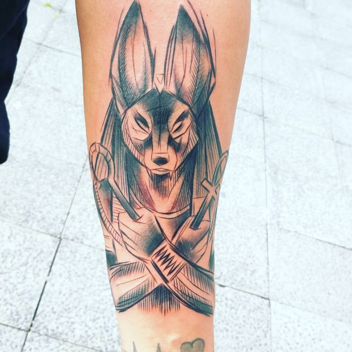 Tatuaje egipcio de Anubis