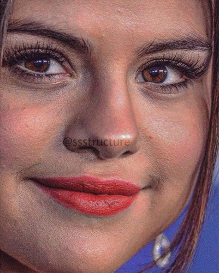Selena Gomez de cerca y sin photoshop
