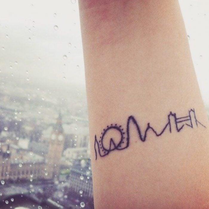 tatuaje de brazo con dibujo de feria