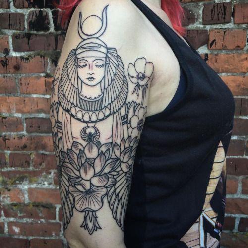 Tatuaje egipcio de Isis