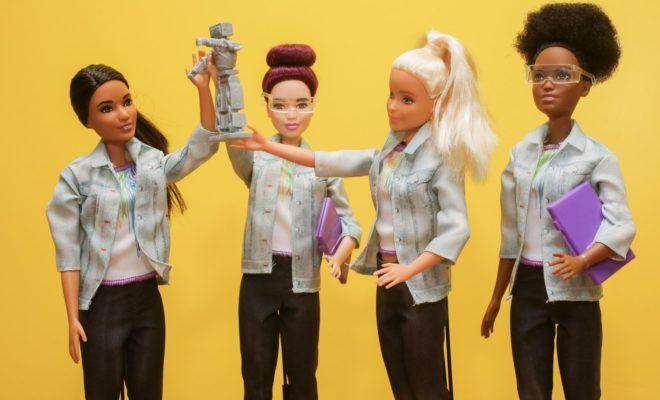 muñecas y robots