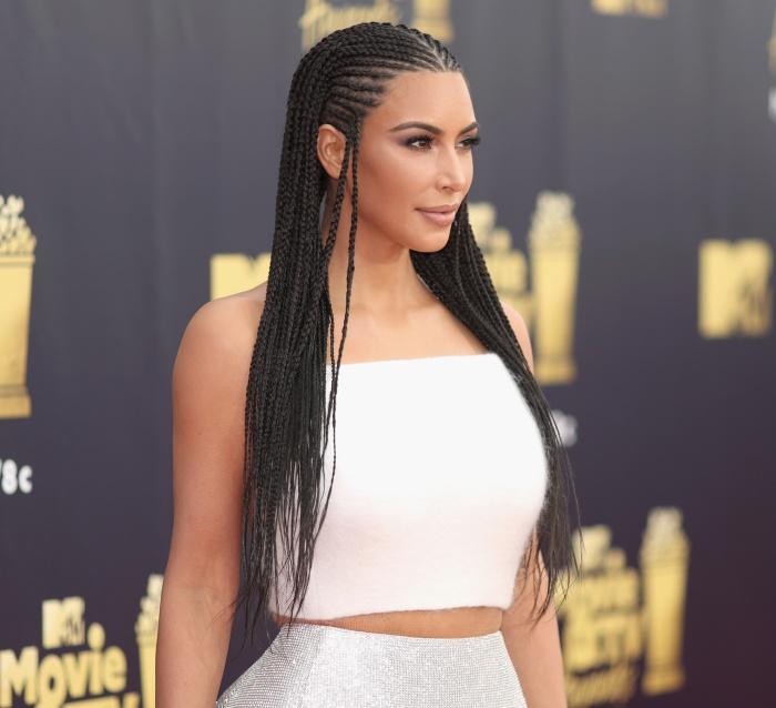 Kim kardashian con trenzas
