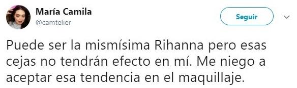 Tuit sobre ls cejas de Rihanna