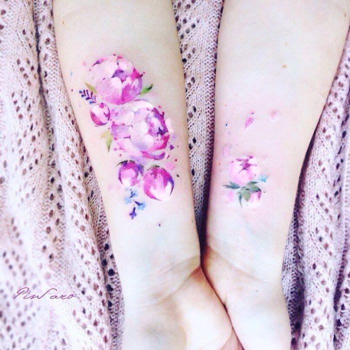 tatuaje de flores rosas