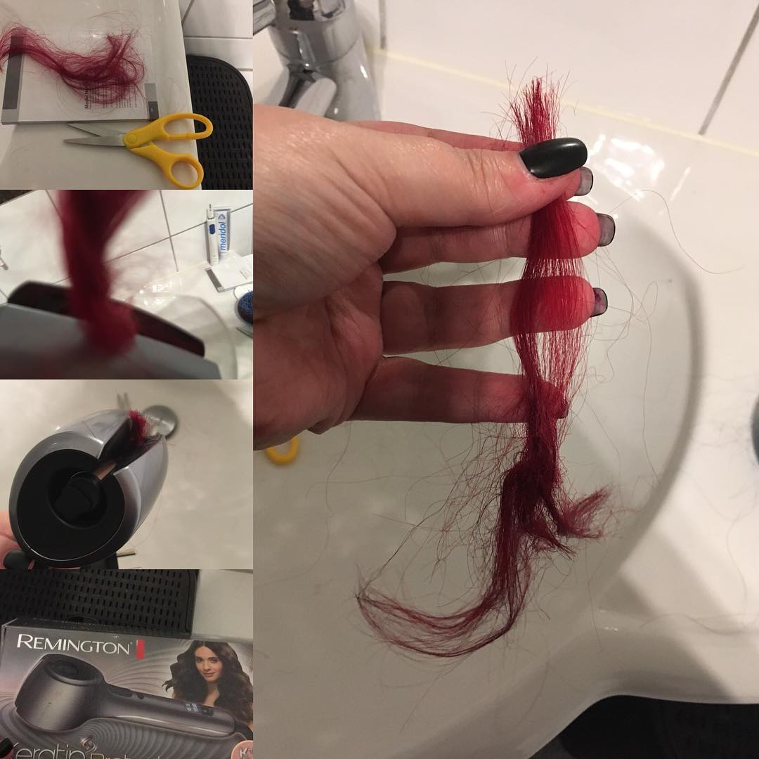 pinza para rulos que cortó un mechón de cabello a una chica peliroja