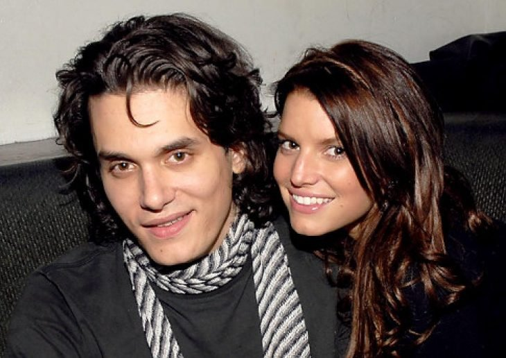 hombre con cabello largo y mujer con cabello largo
