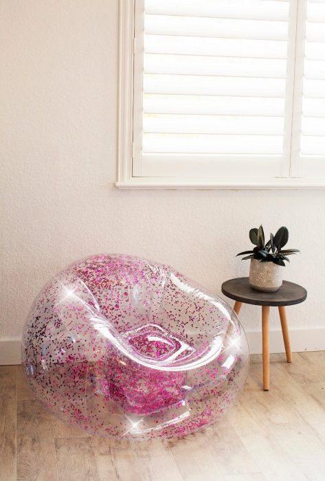 sillon inflable plástico con glitter brillo rosa