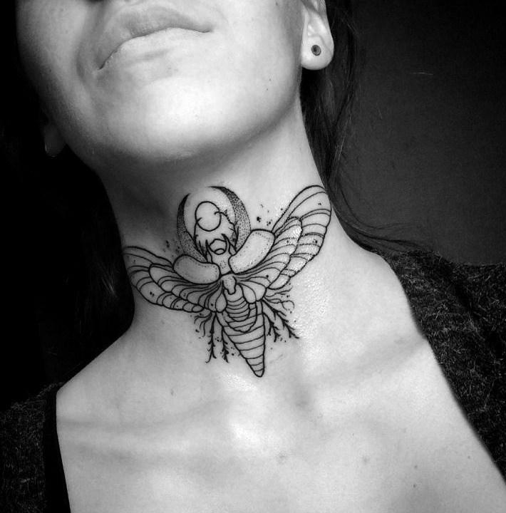 Tatuaje egipcio de escarabajo