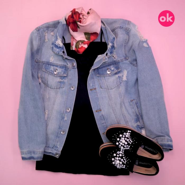 vestido negro chamarra de mezclilla pañuelo rosa y zapatos negros