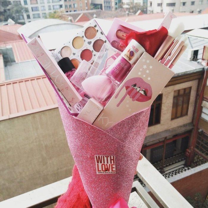 ramo con maquillaje