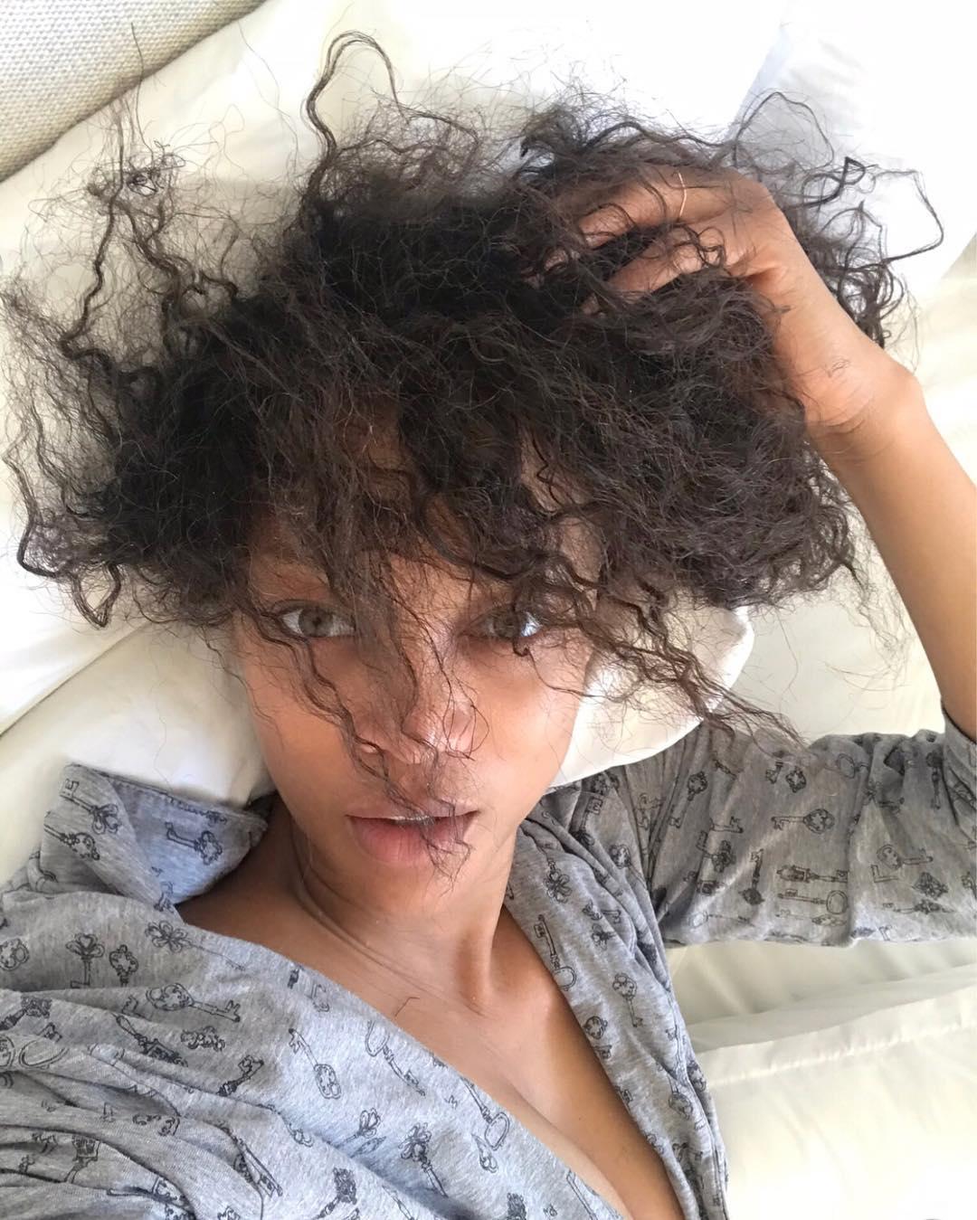 Tyra Banks sin peluca ni maquillaje