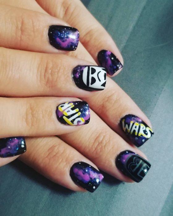 star wars Manos con uñas negras de galaxia