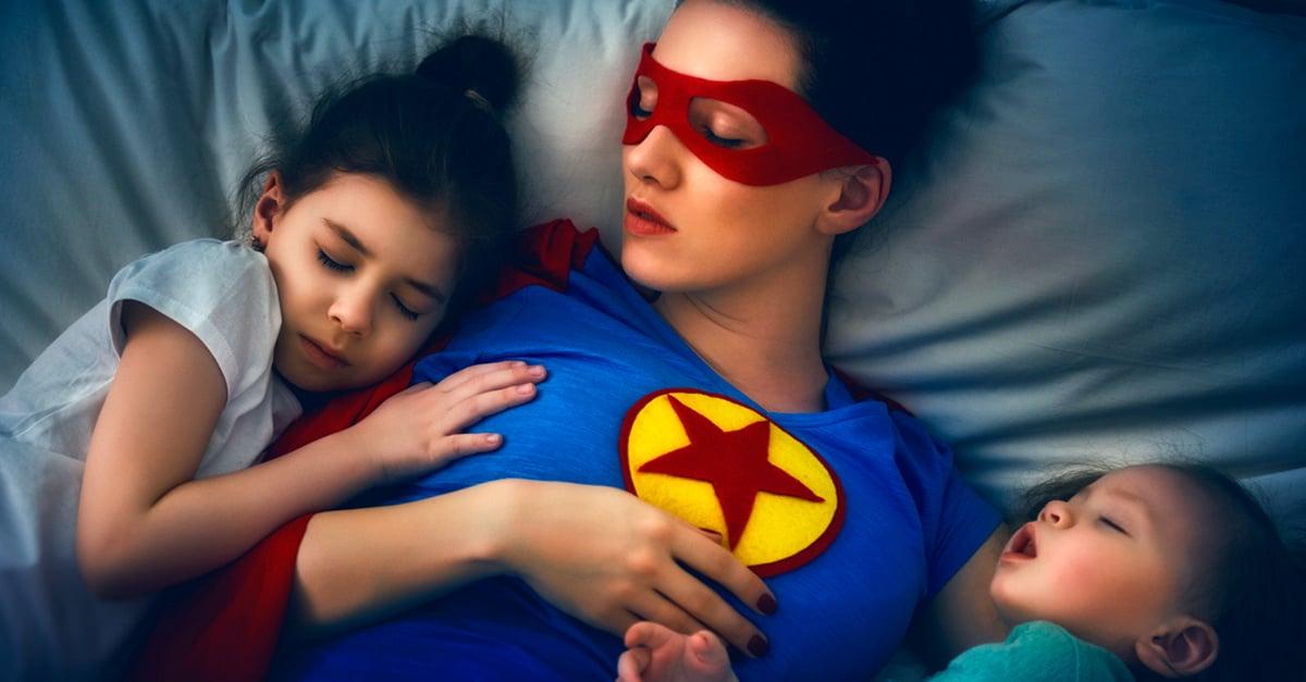 Cuidar a los hijos cansa más que trabajar