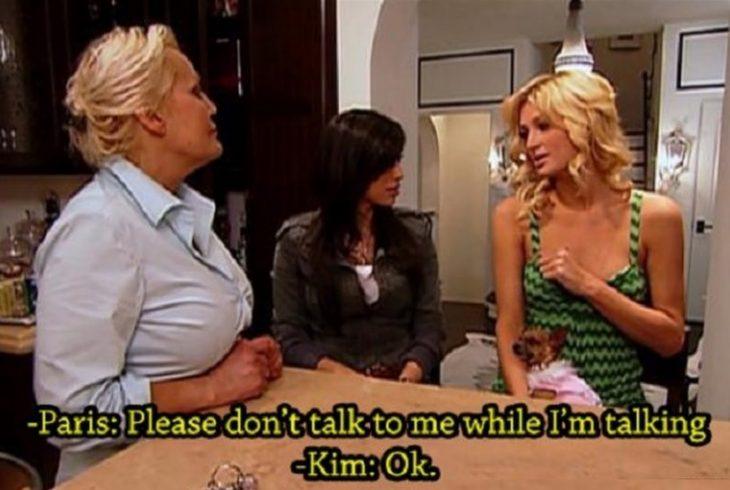 Paris prohibiendole a Kim que le hablara