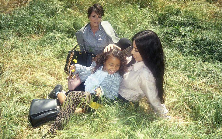 North West, Kim Kardashian y Kris Jenner en la campaña de FENDI