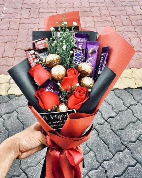 ramo con chocolates