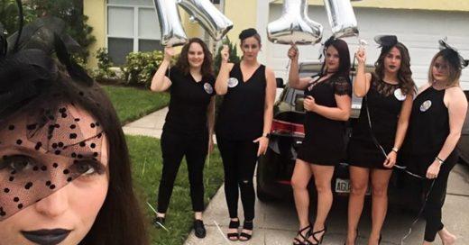 Sus amigas le organizaron un funeral de soltería para celebrar su compromiso