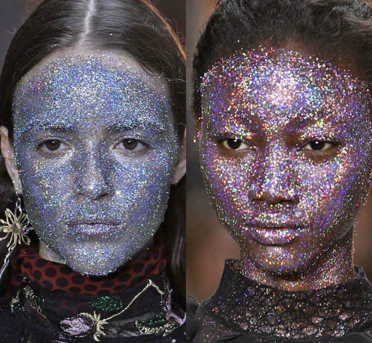 Mujeres con glitter en toda la cara