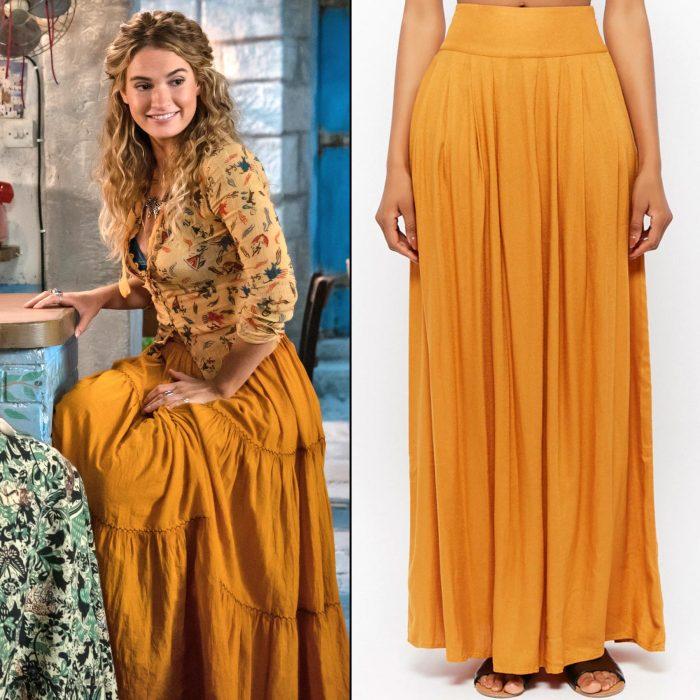mujer rubia con falda color naranja