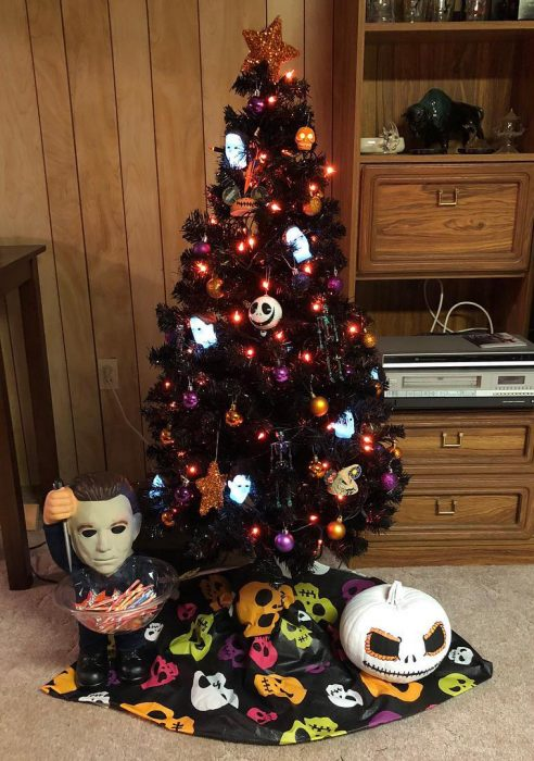 14 Árboles de Halloween para las personas que ya se aburrieron de la Navidad