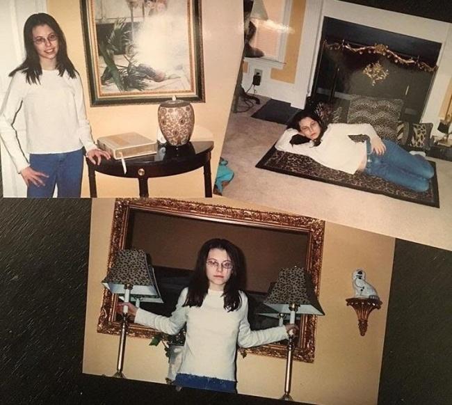 niña con fotos extrañas en la sala