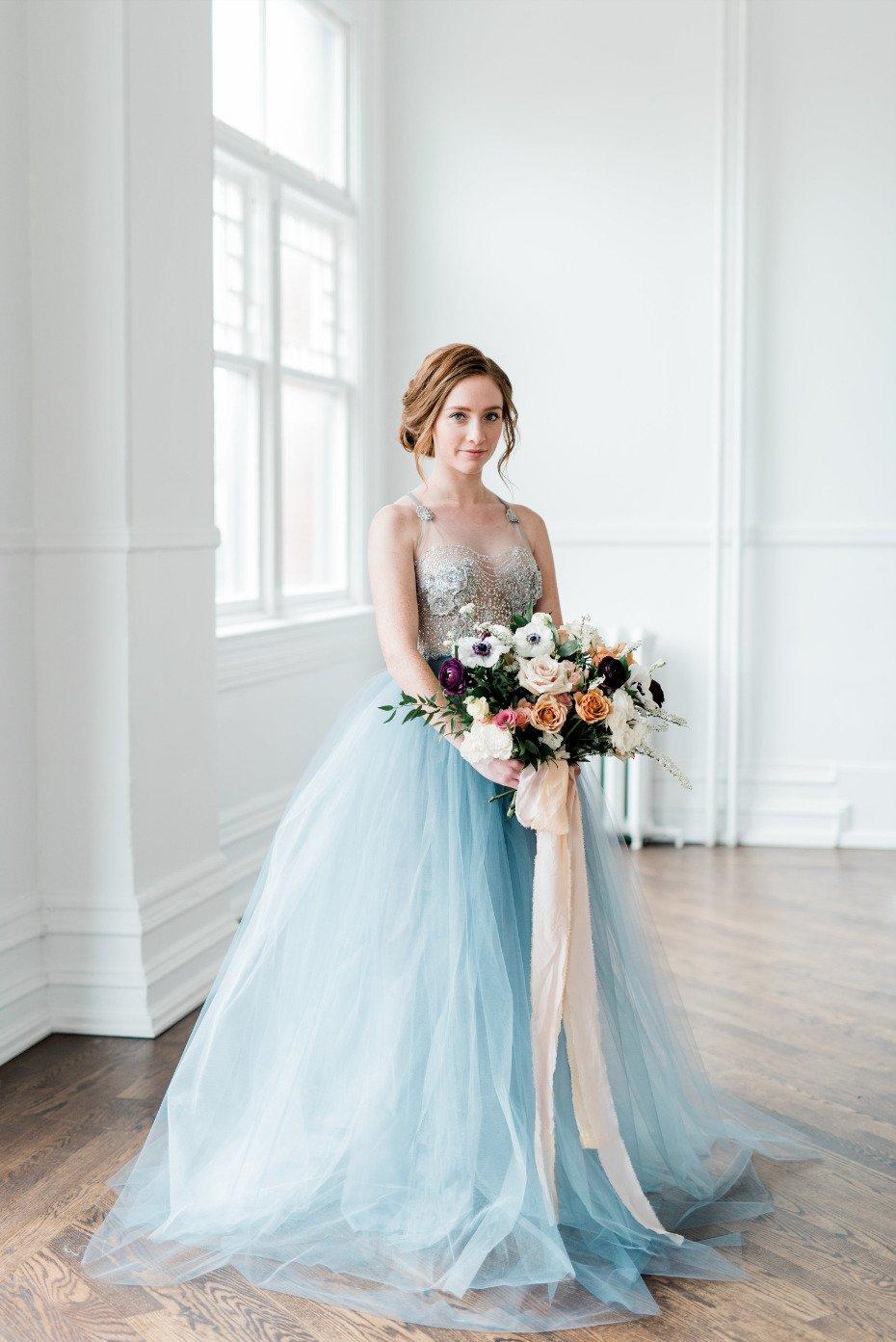 Vestido de novia azul encantador