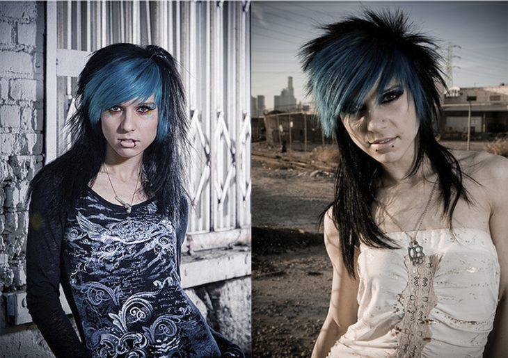mujer con cabello negro y azul