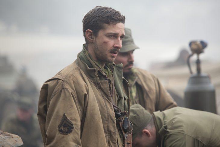 Shia LaBeouf vestido de soldado durante la película de Fury