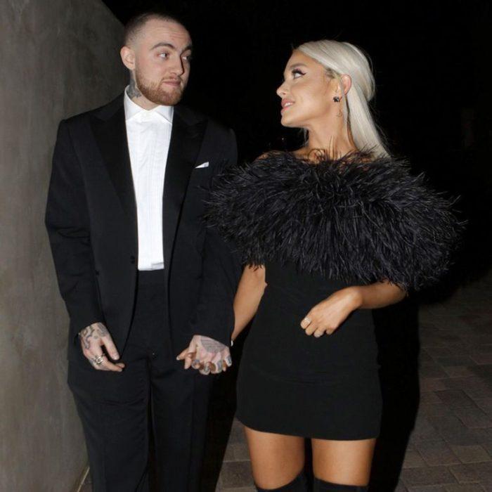 Mac Miller y Ariana Grande paseando tomados de la mano