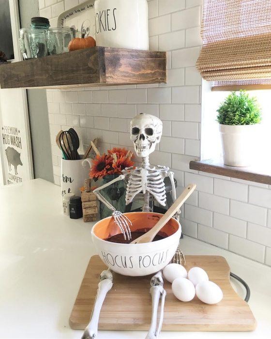 Ayudante de cocina para halloween