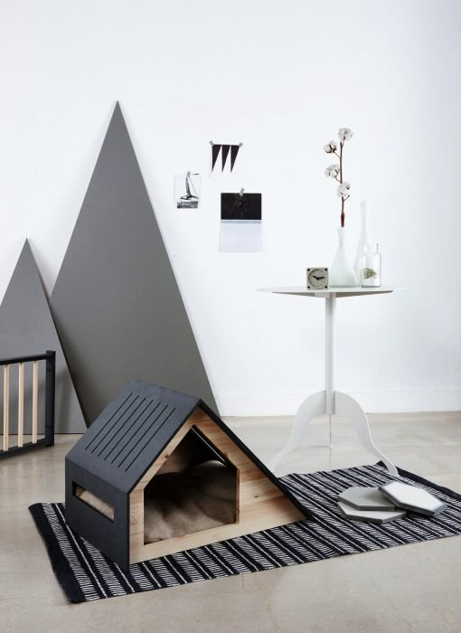 Casa negra y elegante para perros o gatos