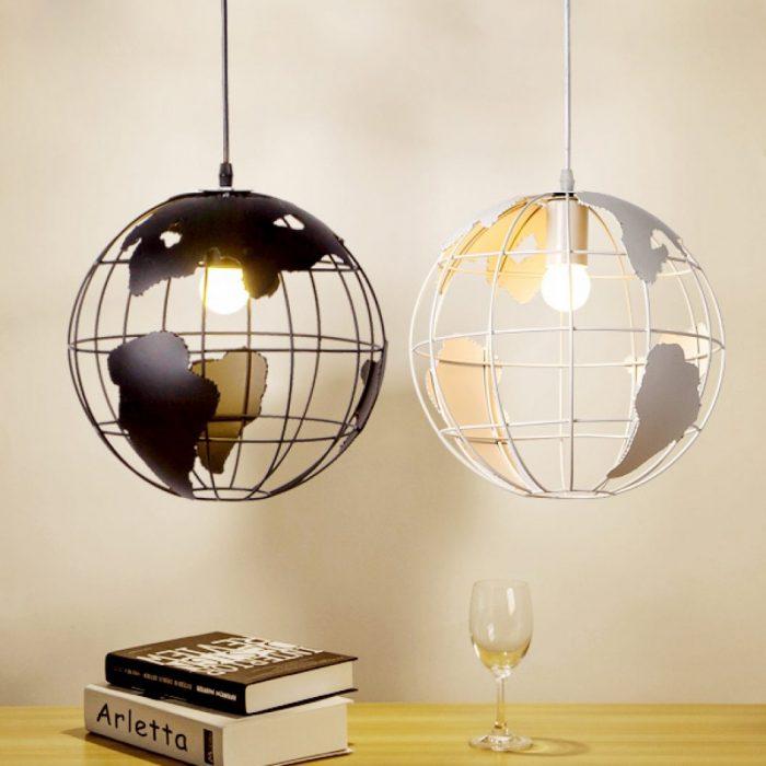 Lámparas de globo terráqueo negra y blanca