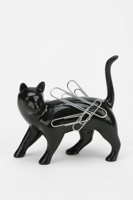 Imán para clips en forma de gato negro