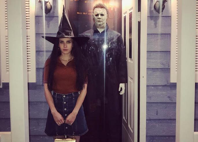 Emma Roberts disfrazada de bruja