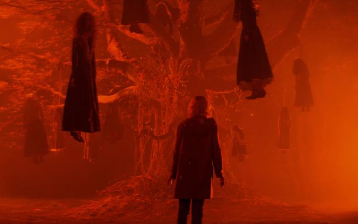 Escena en el árbol de El mundo oculto de Sabrina