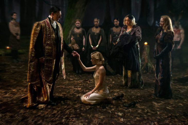 Escena de la serie de Netflix El mundo oculto de Sabrina
