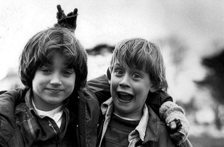 Elijah Wood y Macaulay Culkin durante la grabación de El ángel malvado en 1993