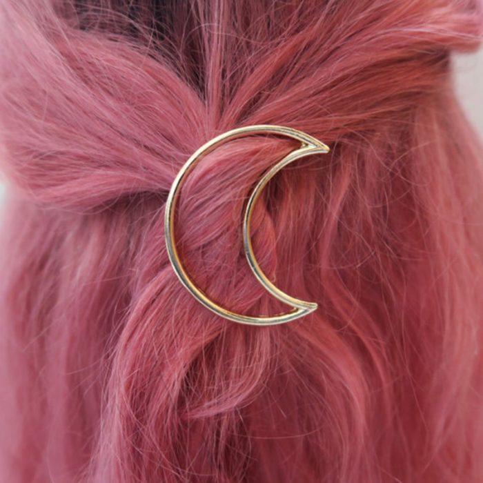 broche para cabello en forma de luna
