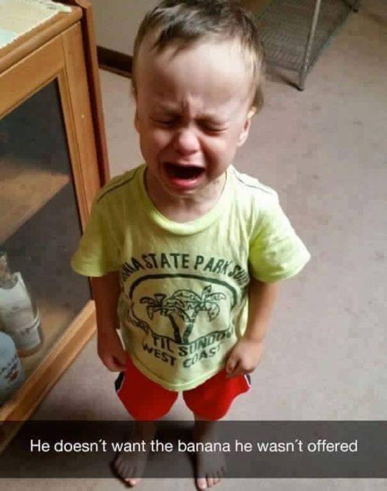 niño rubio llorando
