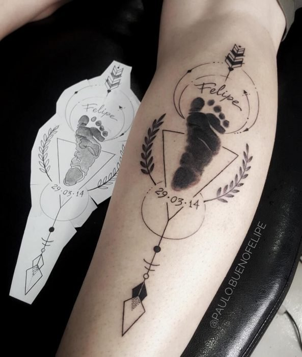 Tatuaje de la huella del pie de un bebé