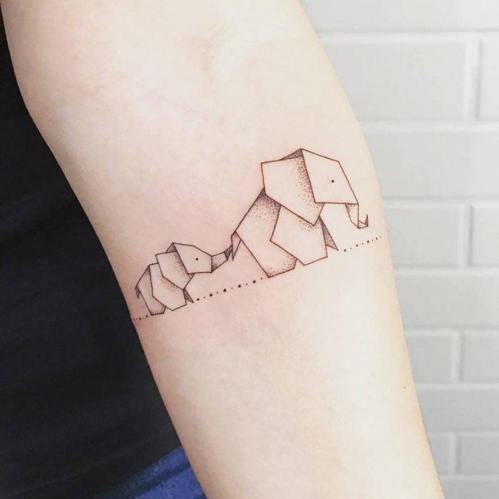 Tatuajes de elefantes de origami